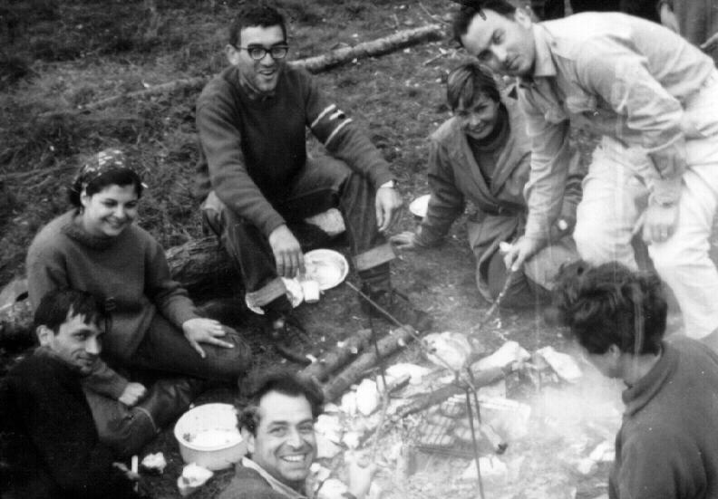 Da sinistra a destra: Marco Boccitto, Ada Marliani, Mauro Rampini, Ughetta Boccitto, Lamberto Laureti, Aurelia Mohrhoff e Sergio Mainella (davanti). Archivio Aurelia Mohrhoff.